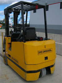 very narrow aisle forklifts